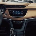 2017-Cadillac-XT5-14